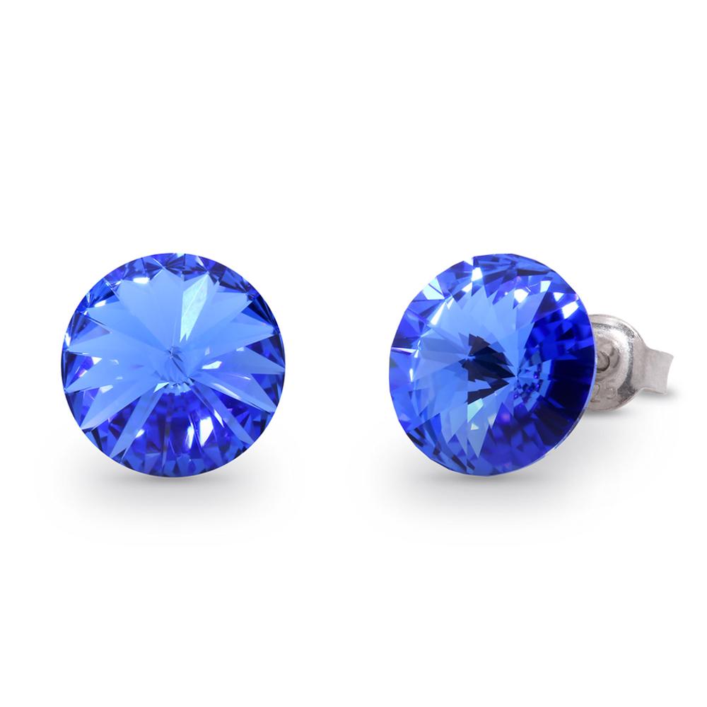 青いピアス
